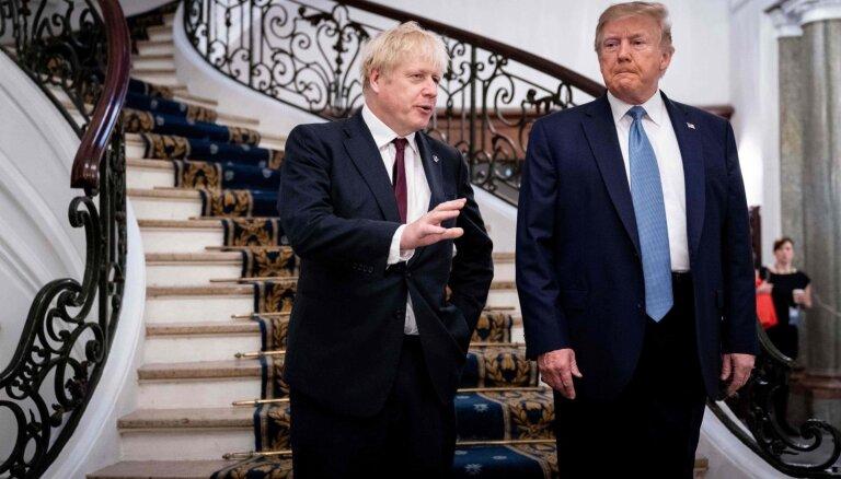 Tramps: Džonsons ir 'īstais cilvēks' 'Brexit' procesa vadīšanai