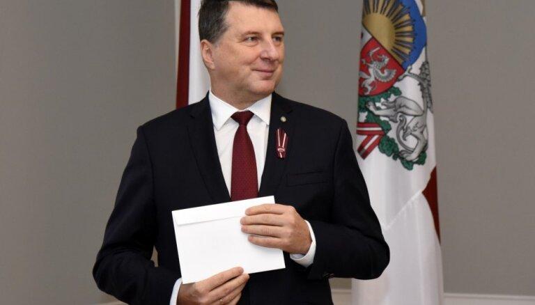 Jaunas valdības gaidās: Vējonis tiksies ar piecu Saeimas frakciju pārstāvjiem