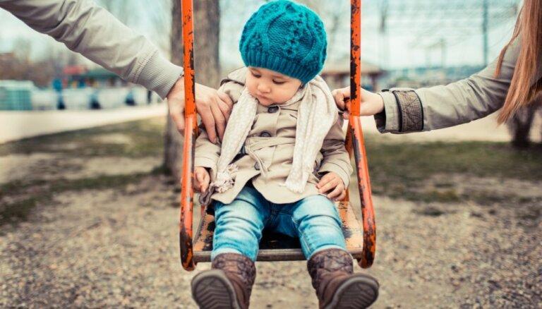 Pieci mīti par bērnu audzināšanu pēc šķiršanās
