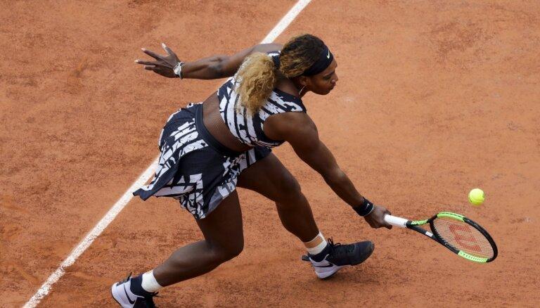 Serēna Viljamsa 'French Open' atkal provocē ar tērpu