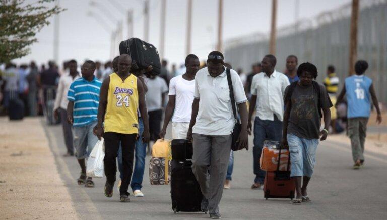 Латковскис: следующих беженцев Латвии придется принять уже в течение года