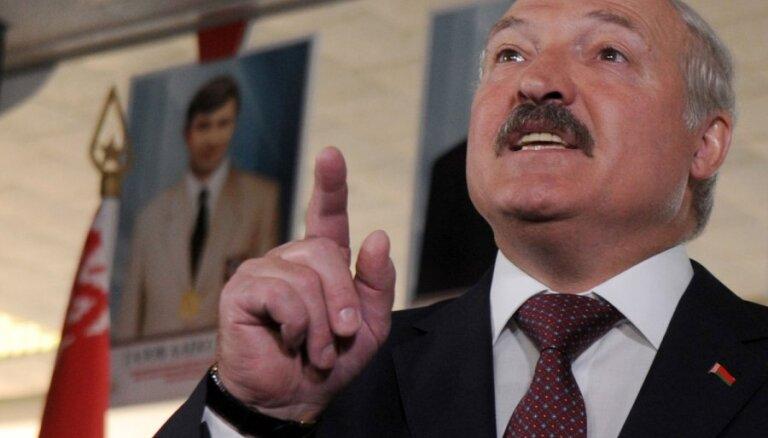 """""""Надо разгонять или приводить в чувства"""". Лукашенко недоволен синоптиками"""