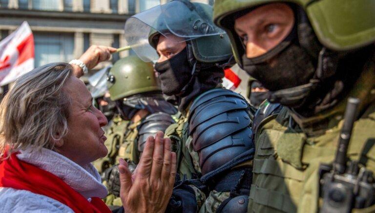 Nexta после новых массовых задержаний выложил данные тысячи белорусских силовиков