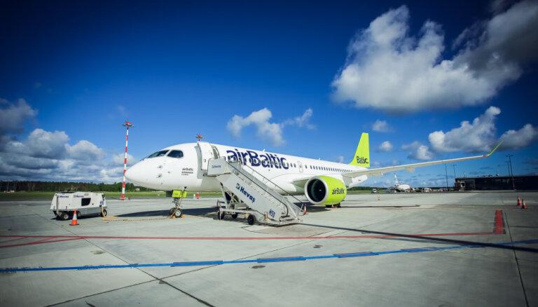 'airBaltic' saņem ceturto jauno CS300 lidmašīnu
