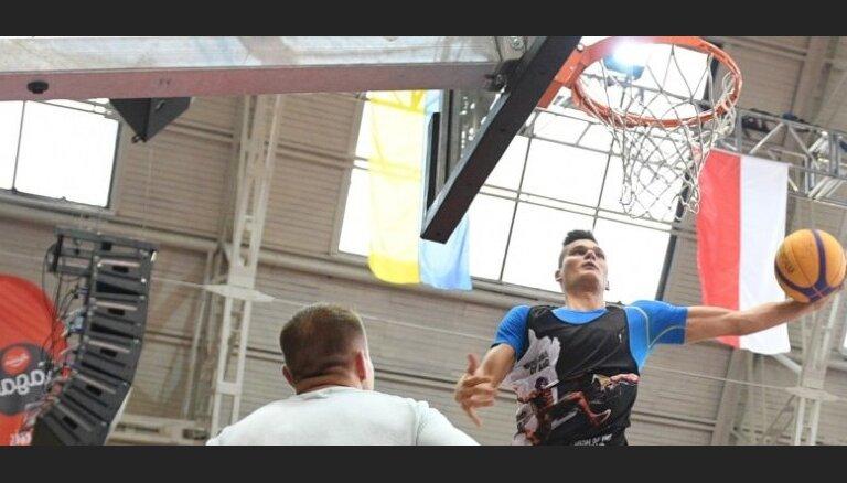Žvīgurs neturpinās profesionāla basketbolista karjeru