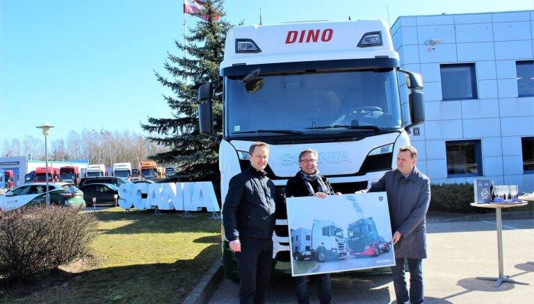 Pārdoti pirmie ar sašķidrinātās dabasgāzes sistēmu darbināmie kravas auto Baltijā