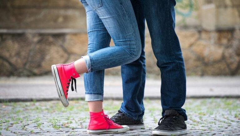 Padomi pusaudžiem par seksu no vecmāmiņu jaunības laikiem