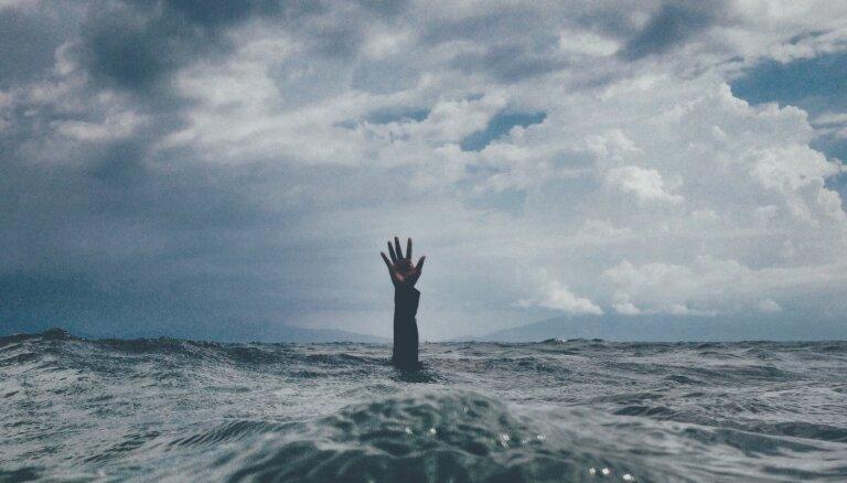 Noslīkt attiecību jūrā. Par ko liecina tukšuma sajūta, esot laulībā