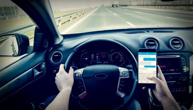 Глава CSDD предложил принудительно отключать мобильную связь в едущих автомобилях