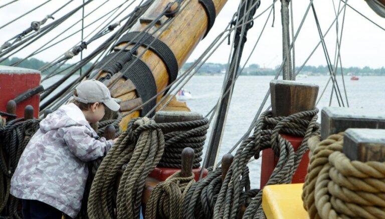 Из-за наплыва желающих ограничили посещение парусников