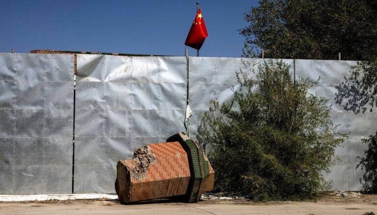 Pakistāna Ķīnas pavadā vēršas pret uiguru kopienu