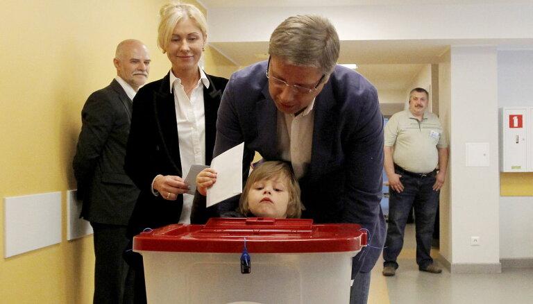 No mēra amata atstādinātais Ušakovs EP sola strādāt vienotības labā