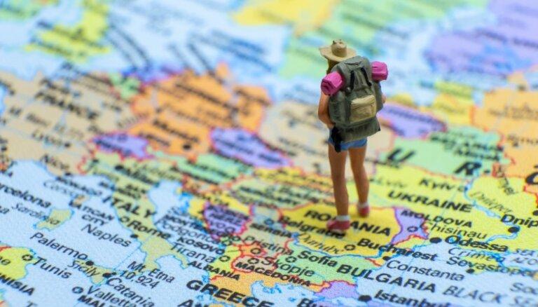 Pietiks ar angļu valodu vien: seši izplatīti mīti par ceļošanu