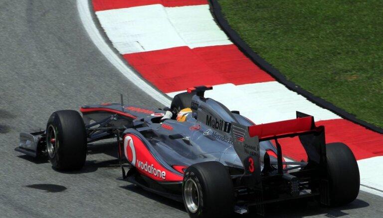 Hamiltons dominē Abū Dabī GP, Fetels izstājas jau pirmajā aplī