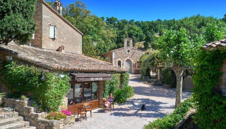 ФОТО: Французская идиллия. Джонни Депп продает роскошное деревенское поместье