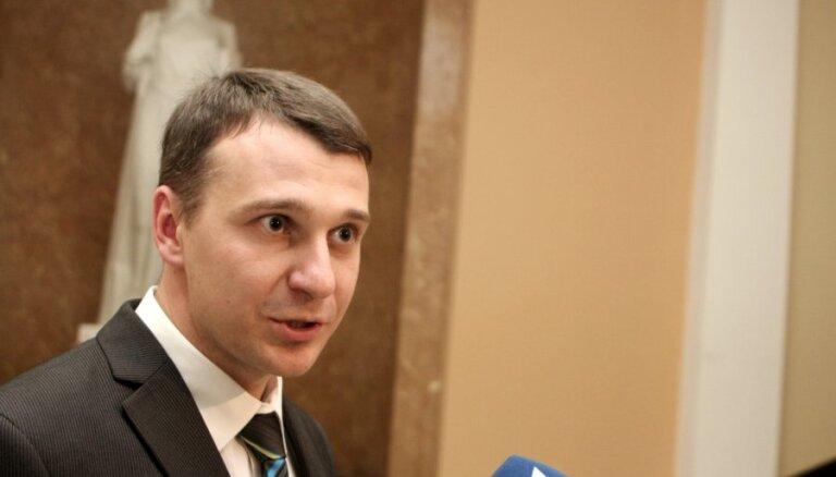 Стрельченок: заявление мэра об обысках в Рижской думе помешало работе БПБК