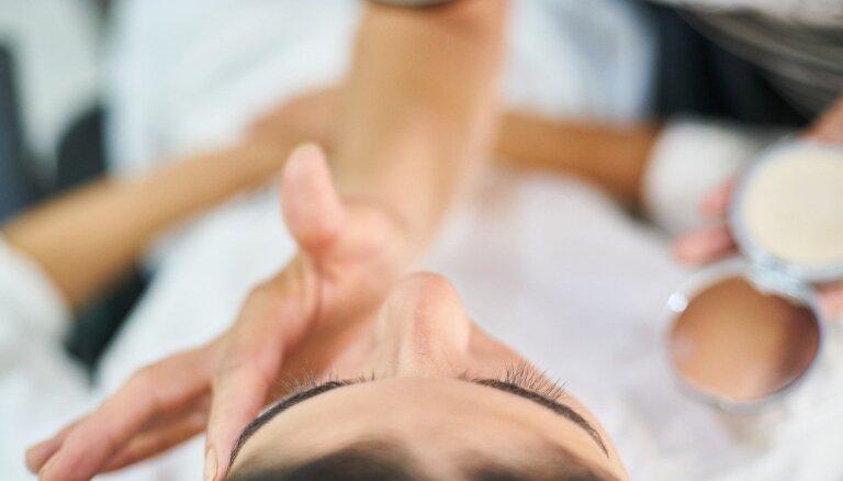 Izskatīšanai parlamentā virza priekšlikumu atļaut strādāt kosmētiķiem un kosmetologiem