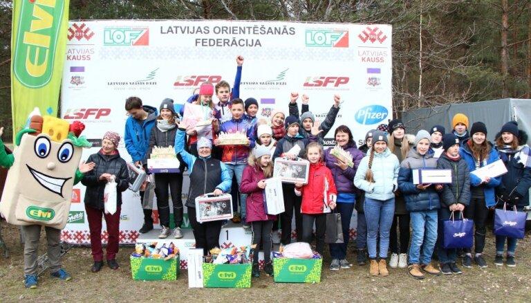 Mežaparkā aizvadītas Latvijā lielākās orientēšanās sacensības skolēniem