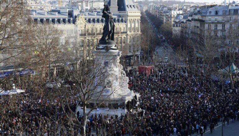 Нетаньяху просили не приезжать на парижский марш солидарности