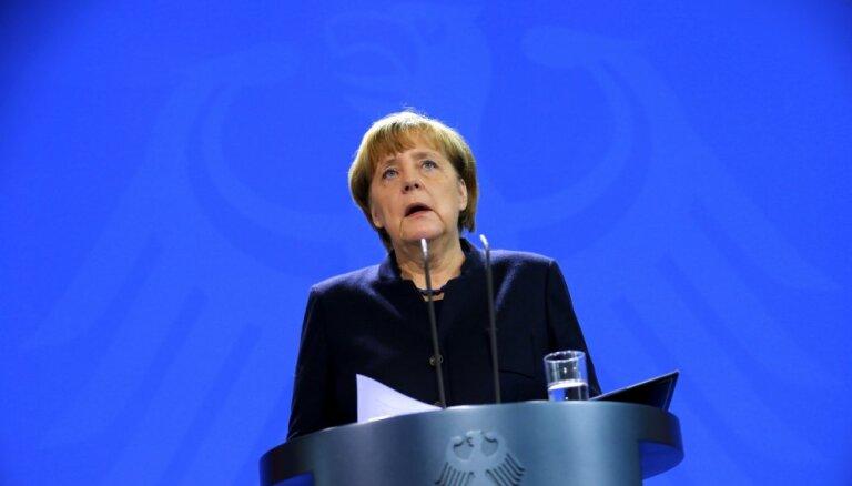 Merkele: Vācija un Francija līdz martam vēlas kopīgu eirozonas reformu plānu