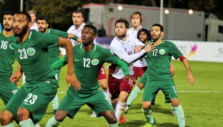 Latvijas futbola izlase treniņspēlē zaudē Saūda Arābijai