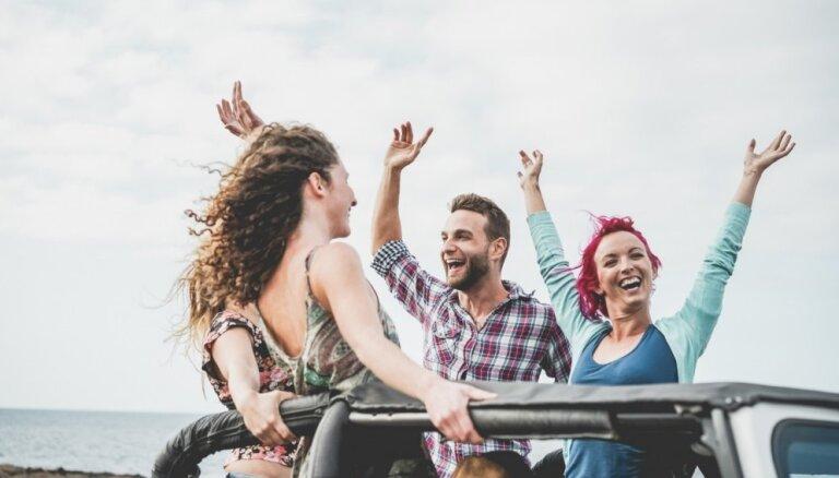 Не думают о будущем и живут за счет родителей: развенчиваем популярные мифы о миллениалах