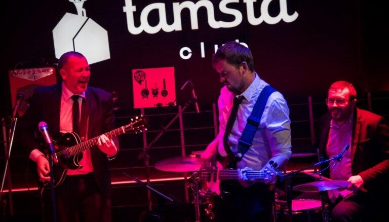 'Very Cool People' dosies koncertturnejā pa Centrāleiropu un Balkānu valstīm