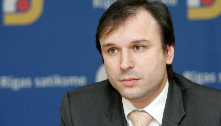Подозреваемый в коррупции Брандавс покинул должность члена правления Rīgas karte