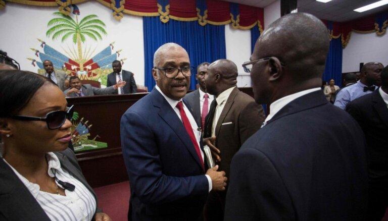 Haiti premjers atkāpjas no amata