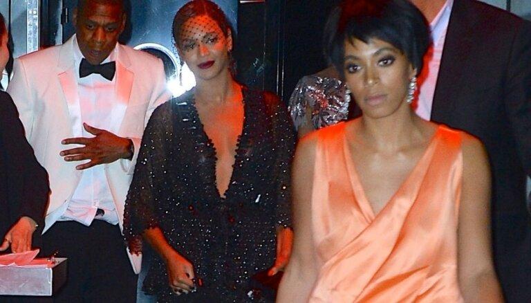 Video: Bejonsas māsa liftā piekauj Jay Z