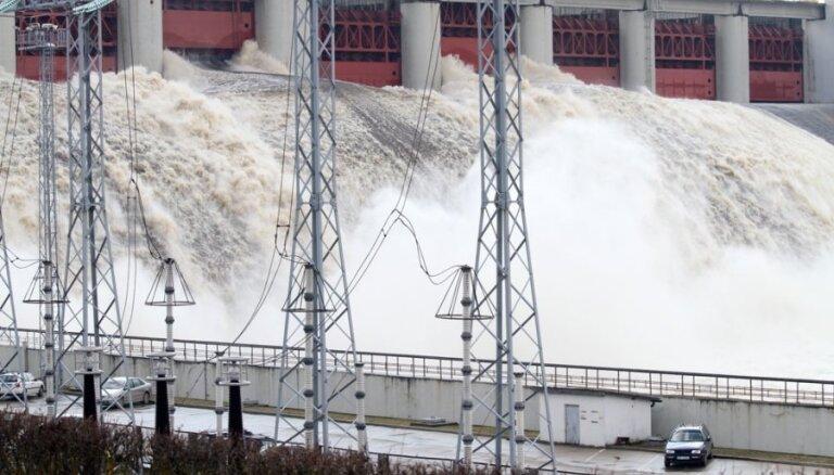 Компания российского миллиардера отремонтирует крупнейшую в Латвии ГЭС
