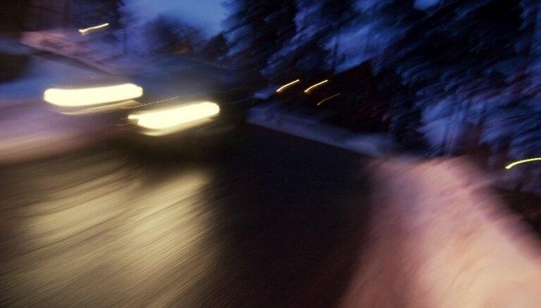 ВИДЕО. В ДТП на Лиепайском шоссе пострадали два водителя и пассажир