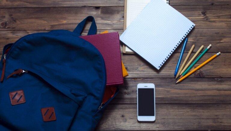 Skolu tīkla optimizācija neļaus celt pedagogu algas, uzskata LPS