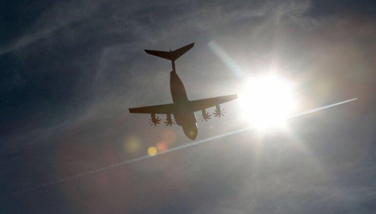 'Air Canada' laineri no katastrofas Sanfrancisko lidostā šķīruši 30 metri