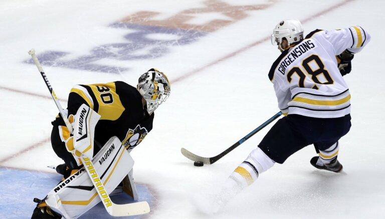Girgensons un 'Sabres' NHL sezonas sākumā sarūgtina Bļugeru un 'Penguins'
