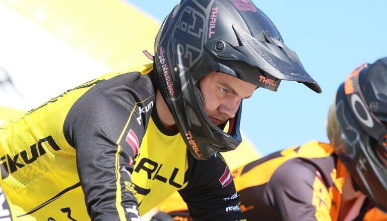 Strazdiņš pirmo reizi karjerā sasniedz Pasaules kausa BMX superkrosā ceturtdaļfinālu