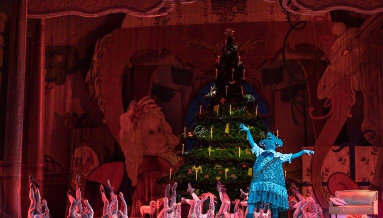 Foto: Attālināti un ierakstos – LNOB aicina baudīt krāšņo baletu 'Riekstkodis' un Gadumijas koncertu