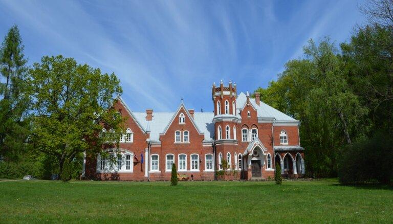 ФОТО. Путешествие во времени: Червонка – сказочный замок из Латгалии