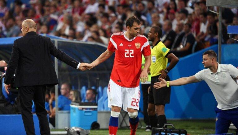 Немецкие СМИ: зачем российские футболисты нюхали нашатырный спирт?