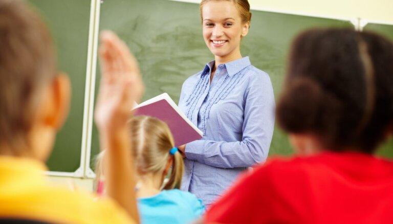 Опрос: в 65% школ не хватает педагогов-предметников