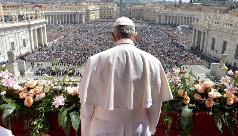 Pāvests Francisks Lieldienu uzrunā pauž nožēlu par uzbrukumiem Sīrijas civiliedzīvotājiem