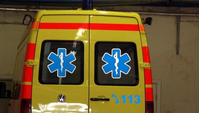 Под Кулдигой Audi выехал на встречную полосу: один человек погиб, трое получили травмы