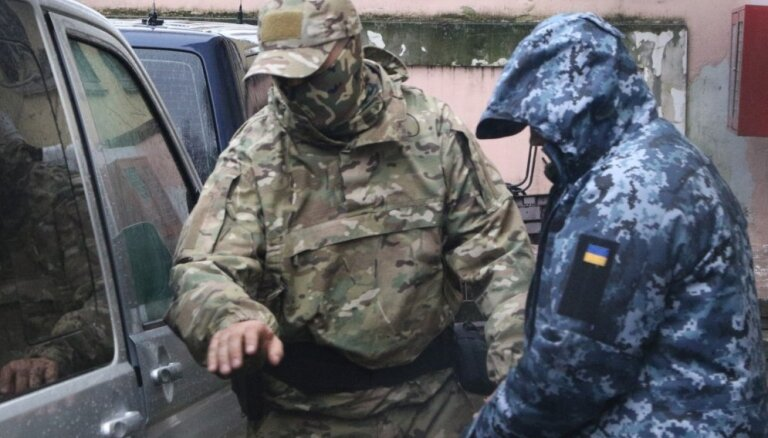 Krievija apcietinājusi visus sagūstītos ukraiņu jūrniekus
