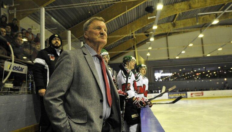 Hokeja treneris Cicurskis vairs neturpina darbu Liepājas Sporta spēļu skolā
