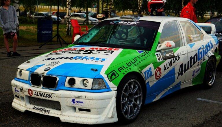Latviešu sportistiem vairākas uzvaras Baltijas autošosejas čempionāta atklāšanā