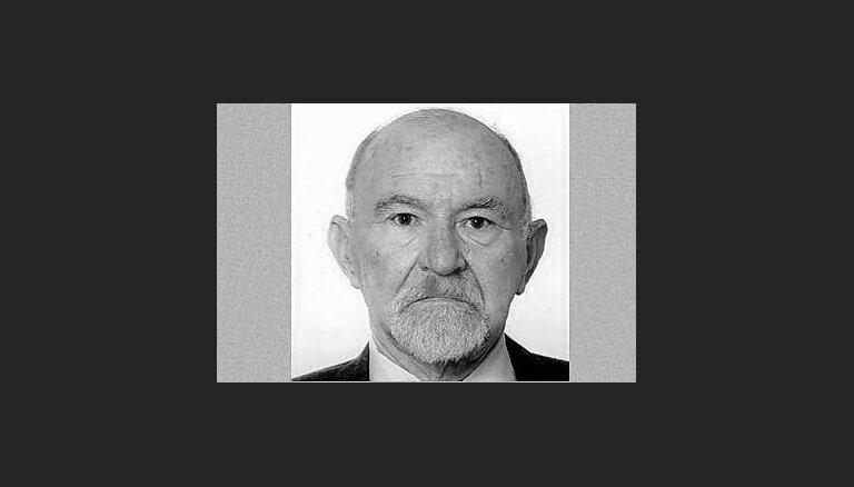 Mūžībā aizgājis tulkotājs Talrids Rullis