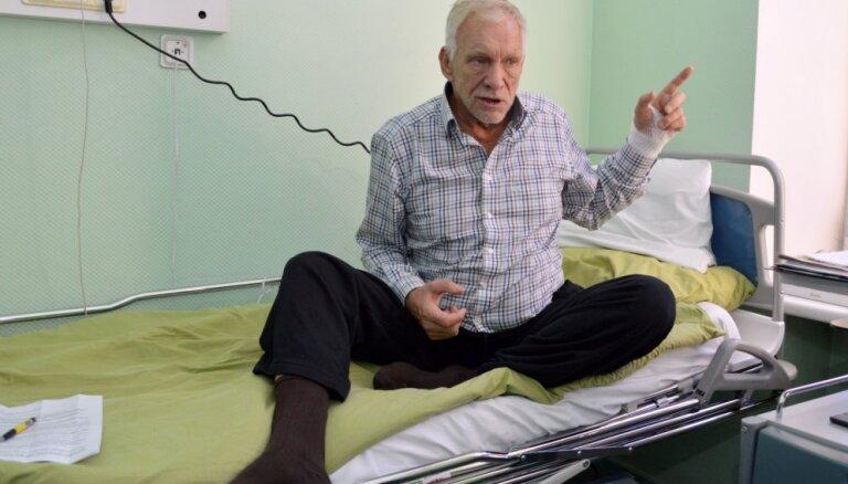 'Gultā ar Krūmiņu': soctīklotāji satriekti par uzņēmēja atklātumu un blēžu izgaismošanu