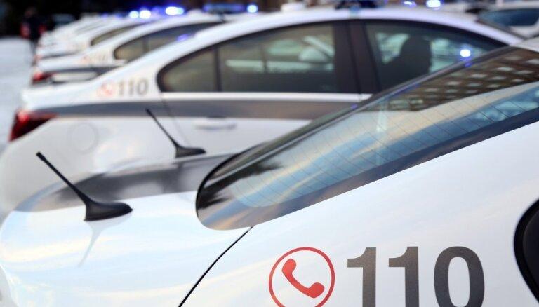 Valsts policijai pērn izdevies ietaupīt degvielu 400 000 eiro vērtībā, secina Valsts kontrole