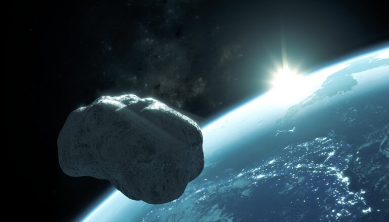 Размером с авиалайнер. К Земле приближается новый гигантский астероид