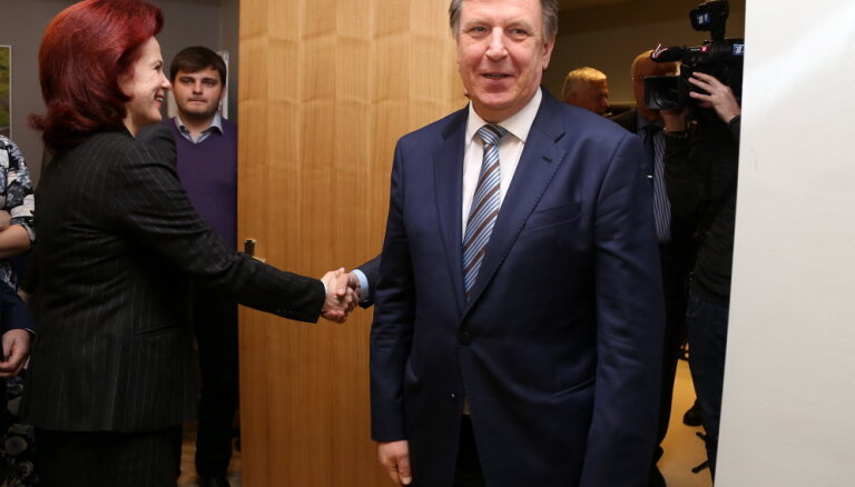 """Раздача министерских портфелей: """"Единство"""" озвучило новые пожелания"""
